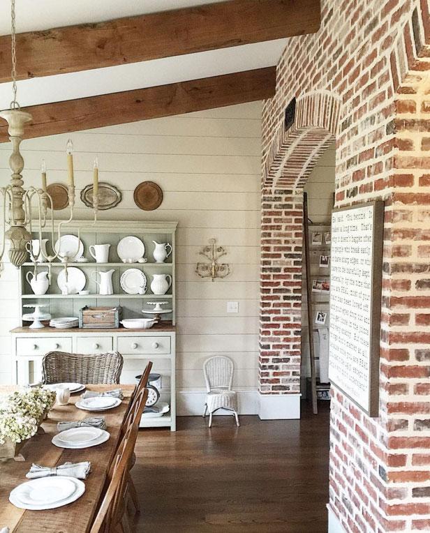 http://www.theharperhouse.com/5-farmhouse-instagram/